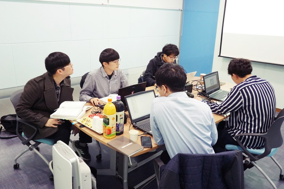 SK Hynix 자동제어기술팀 신입사원 교육 현장